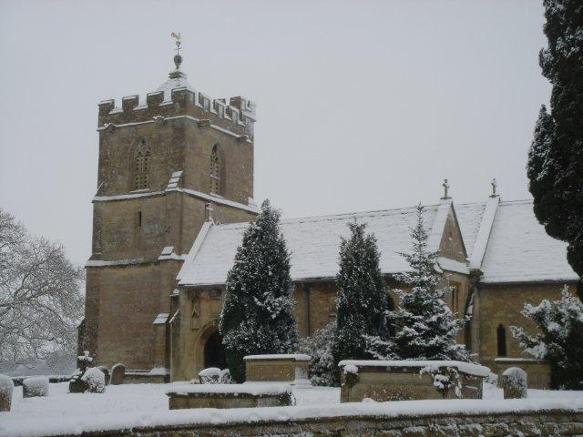 St. Mary\'s Church, Broughton Gifford in the snow